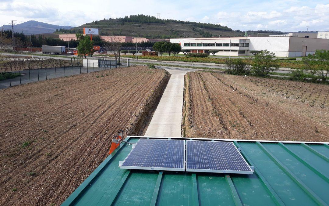 Trabajo de fotovoltaica aislada realizada en una nave de Cenicero
